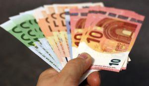 金融機関からの融資を受ける際の資金種類、審査ポイント