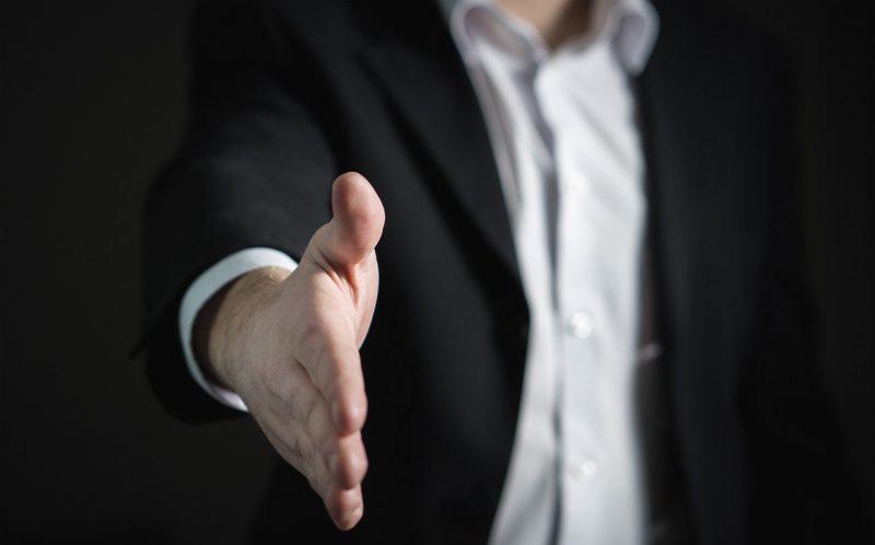ビジネスローンの審査と契約の流れ